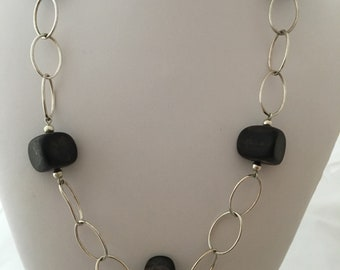 Gorgeous Silpada Open Oval Links Accent Ebony Wood Beaded Necklace Retired N1359