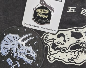 Dinosaur BUNDLE - (the shirt + the pin + the patch) + free shop sticker