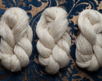 Fingerling Leicester Longwool Natural White Wool Yarn
