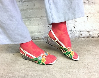 vintage lucite heel embroidered floral slingback wedges / tropical embroidered pvc translucent square toe wedge heels