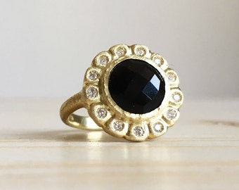 18k green gold ring with black spinel and diamonds all around - Old style engagement ring