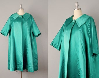 1950s Coat // 1950s Emerald Heavy Silk Satin Opera Coat // L - XL