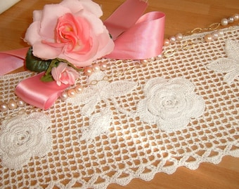 Lace for crochet border with application of roses of Ireland. Lace tradition Italy. Edge of Lace.  To order.