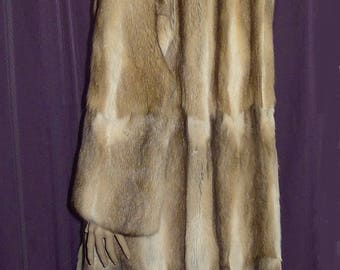 ON SALE  !    Beautiful vintage Bassarisk fur coat - womens Sz 12 - Bust 38""