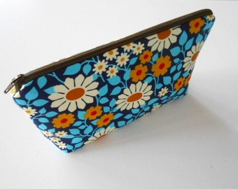 Large Cosmetic Zipper Pouch Large Padded Cosmetic Bag Flat Bottom Zippered Pouch Clutch ECO Friendly NEW Blue Garden