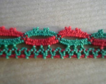 Pretty little cotton lace, green and red, 7 mm wide