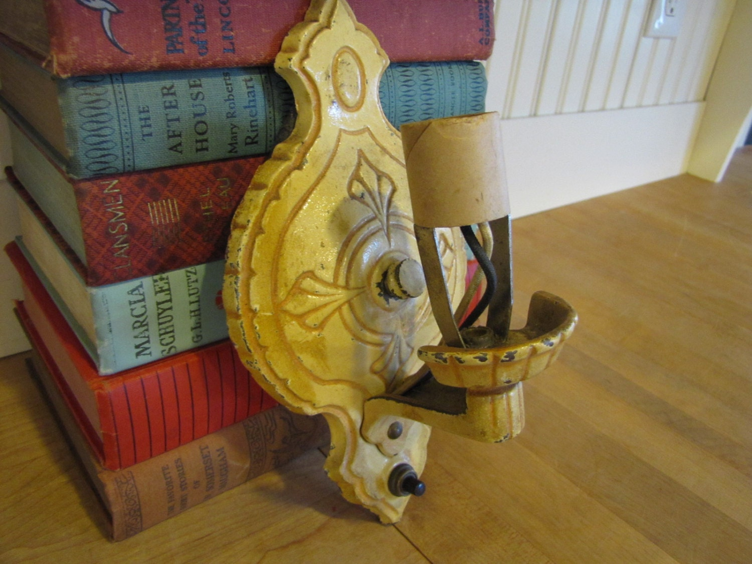 1930s Victorian Art Nouveau Electric Lamp Wall Sconce Wall