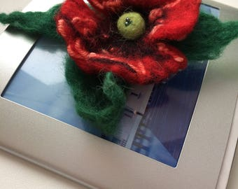 Flower brooch / felted brooch / brooch wool / handmade brooch / boho brooch / felted flower brooch / felted wool brooch / felted wool flower