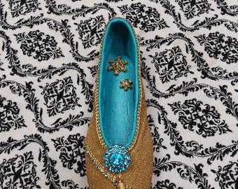Hand Painted Pointe Shoe - Arabian