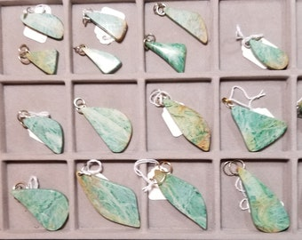 Tichwandite, 24 pendants, green freeform