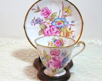 Roslyn Sunningdale English Bone China Teacup And Saucer