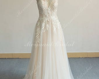 Unique Aline Tulle Lace Wedding Dress, Elegant Vintage Boho Wedding Dress with Sweethear Neckline and Blush Lining