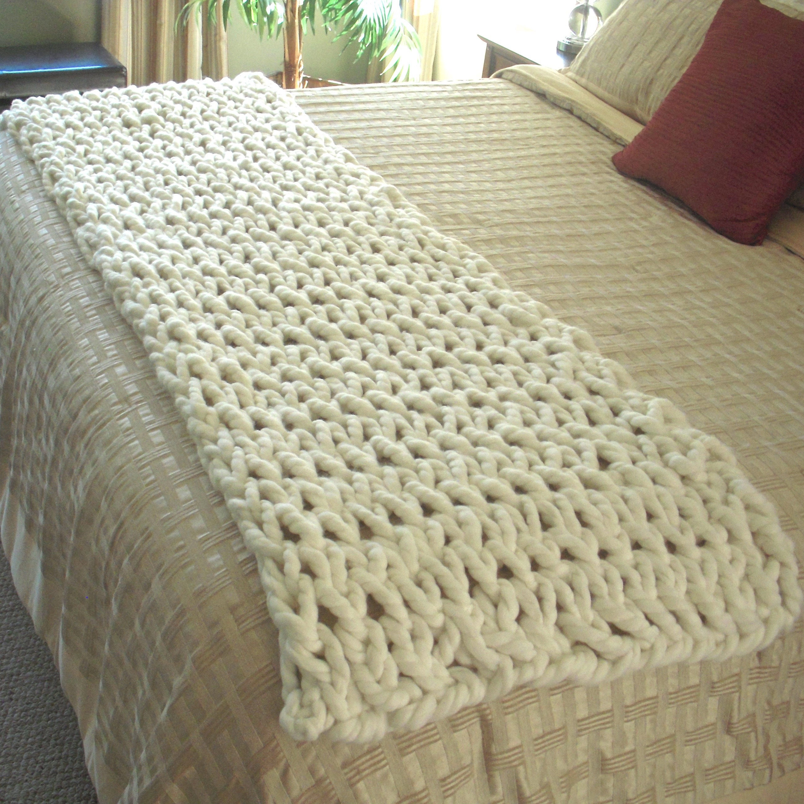 Blanket Pattern - How to Arm Knit a Bed Runner from pokayoka on Etsy ...