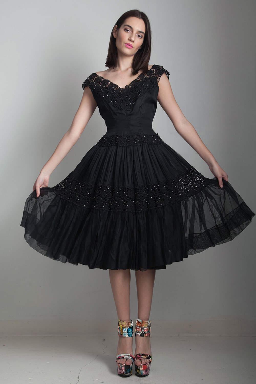 Vintage 50er Jahre schwarze Partei Kleid Wespentaille Fit und