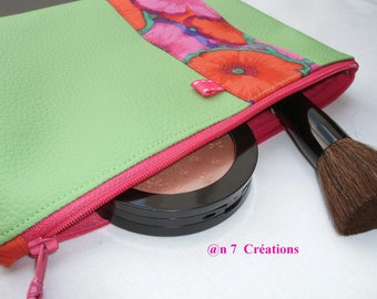 Kit of 20 cm by 15 cm, and faux leather green fabric with pink flowers