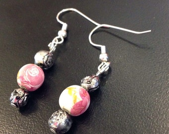6/17White and pink floral earrings