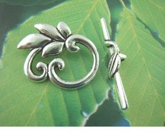 FR25 - Set of 3 leaf arabesque 19x23mm silver metal toggle clasps