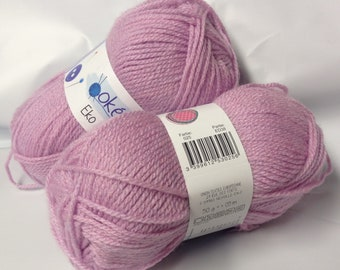 tricot -laine- 10 Pelotes de laine acrylique/ couleur lilas/ marque française