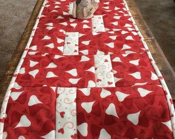 Valentine tablerunner homemade runner home decor quilt