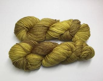 DK/8ply wool/nylon yarn in my Honey Shot colourway