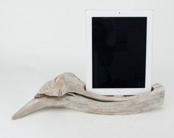 On Sale! Docking Station for iPhone, iPhone Charger, iPhone Charging Station, iPhone driftwood dock, wood iPhone dock/ Driftwood-No.1030