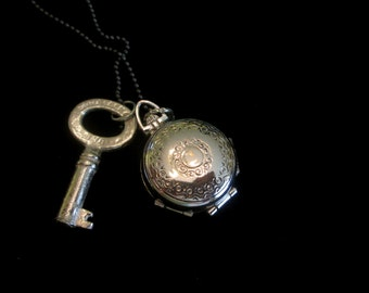 Vintage Coro Four Picture Locket Necklace - Sterling Silver Key