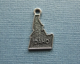 5 Idaho Charms - Idaho Pendants - State Charms - Idaho - State Jewelry - Antique Silver - 12mm x 21mm  -- (D1-12215)