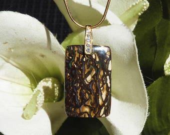 Pendant opal from Australia - Delicate and feminine Opal