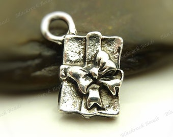 10 Present or Gift Charms 15x12mm Antique Silver Tone Metal - Wrapped Gift Charms - BL1