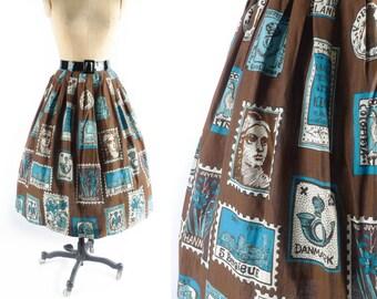 """Vintage 50s Novelty Skirt // 1950s Novelty Skirt // POSTAGE STAMP Skirt // Brown Skirt // Full Skirt // Patterned Skirt - sz S - 27"""" Waist"""