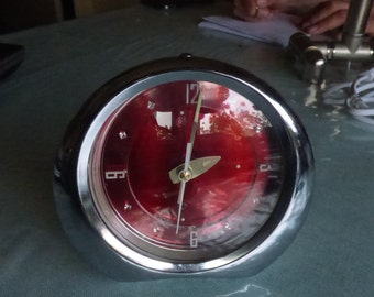 Vintage alarm clock Diamond 1980s steel made in Shanghai China ,red sour cherry shiny,Working condition!beautiful sour cherry  red