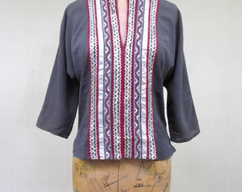 Vintage 1950s Blouse / 50s Gray Rayon Crepe Patio Top / Small
