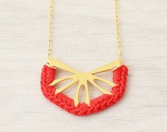 Knitting Gift, Colorful Necklace, Gift for Mom, Short Red Necklace, Dainty Red Necklace, Crochet Jewelry, Unique Necklace, Girlfriend Gift