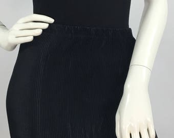 Vintage black accordion fitted skirt