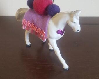 Upcycled animal pinchushion~ crafting tool~ horse~sewing~needlepoint