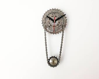 Bicycle gear clock, steampunk clock, clock art, gift for him, pendulum bike clock, bicycle clock, bike clock