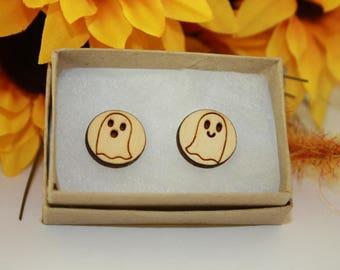 Circle Wood Ghost stud earring, halloween earrings, ghost earrings