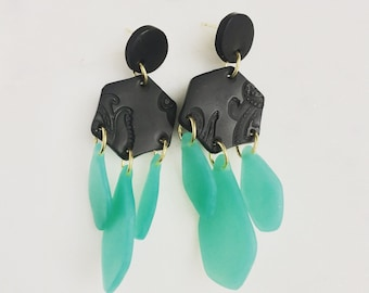 Sea glass dangle earrings, black and grean faux sea glass earrings, sea glass jewelry polymer clay earrings, clay jewelry, statement jewelry