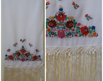 Vintage white piano shawl. Wedding shawl with cheery embroidered floral motif at each end of fringed shawl. Extra long, 78 x 17.5 inches.