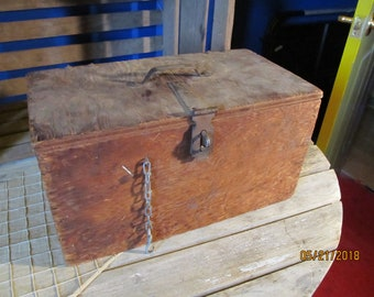 Vintage Old Rough Rustic Wood Wooden Hand Made Tool Box Primitive Farm Farmhouse Toolbox Storage Box with Latch