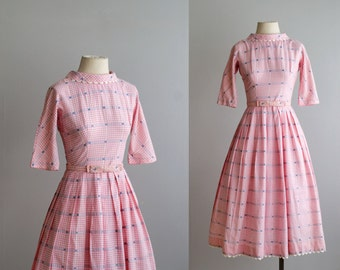 SALE.. 50s dress / 1950s gingham cotton dress / Sweet Nothings dress