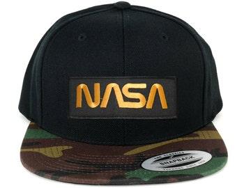 FLEXFIT NASA Worm Gold Text EmbroideGold Iron on Patch Snapback Cap with Camo Visor (6089TC-PM302-CAMO)