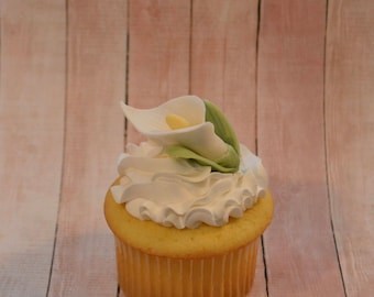 Sugar Calla Lilly cupcake toppers - Set of 12