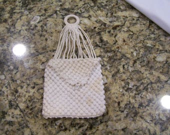 1920s miser purse, white crochet with tiny decorative button and hanging loop