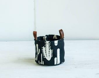 Small Bucket— Cactus Print In Black