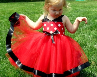 Minnie Costume tutu dress: red and white polka dots with black, easy to put on and take off, birthday party or trip, adjustable, comfortable