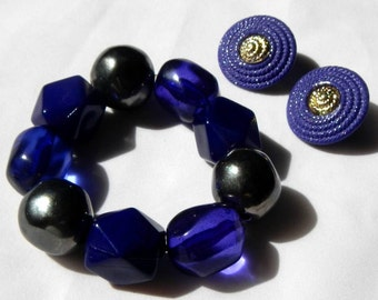Funky and Chunky Vintage Purple Retro Bracelet and Earrings