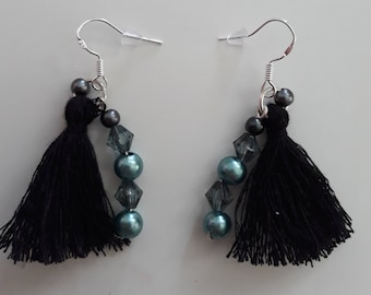 Earrings with black pompon