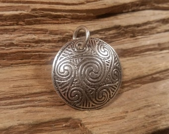 01.238.SV  -925 Silver celtic spiral pendant
