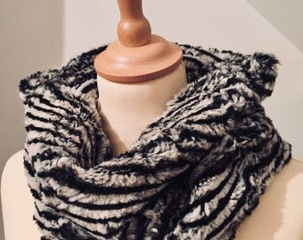 Snood / cowl in black and white Zebra fur